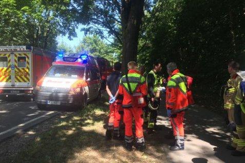 ATAC SÂNGEROS în Germania. Un iranian a rănit CU UN CUŢIT 14 pasageri ai unui autobuz din Lubeck. Atacatorul a fost REŢINUT