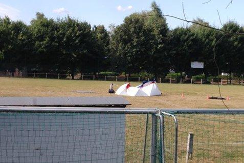 Un individ care purta centură explozivă s-a ARUNCAT ÎN AER pe un stadion din estul Belgiei