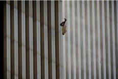 ZIUA CARE A SCHIMBAT LUMEA. O staţie de metrou din New York, distrusă după atentatele din 11 septembrie 2001, a fost redeschisă după 17 ani. Trump va comemora evenimentele în Pennsylvania