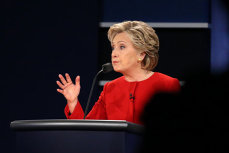 Hillary Clinton susţine că RELAŢIA lui Bill Clinton cu Monica Lewinski nu a fost ABUZ DE PUTERE: A avut DREPTATE să refuze demisia