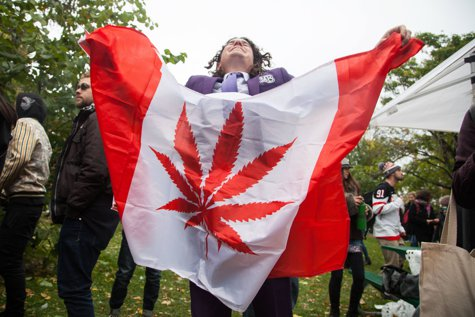 CRIZĂ DE CANABIS în Canada, la două zile de la legalizare. Reacţia unei femei care a fumat pentru prima dată
