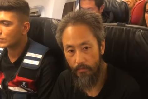 După trei ani de captivitate în SIRIA, un jurnalist japonez se întoarce acasă: A fost un IAD fizic şi mental