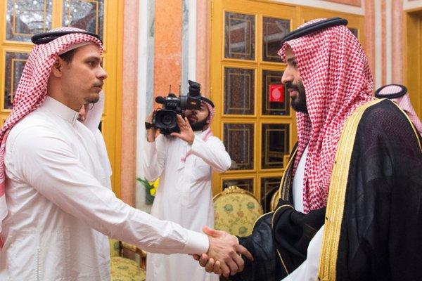 Fiul lui Khashoggi, chemat la palatul regal pentru a primi condoleanţe de la prinţul moştenitor Mohammed bin Salman