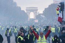 HAOS în centrul Parisului: PIETRE aruncate spre forţele de ordine, maşini INCENDIATE, GAZE lacrimogene şi peste 100 de manifestanţi REŢINUŢI