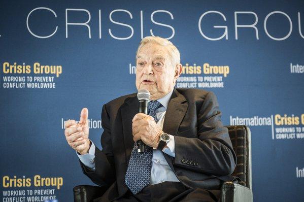 George Soros îndeamnă UE să se mobilizeze pentru apărarea valorilor pe care a fost construită