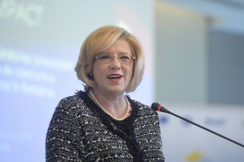 Comisarul european Corina Creţu: Guvernul nu a făcut solicitare pentru finanţarea Autostrăzii Moldova, deşi o putem finanţa