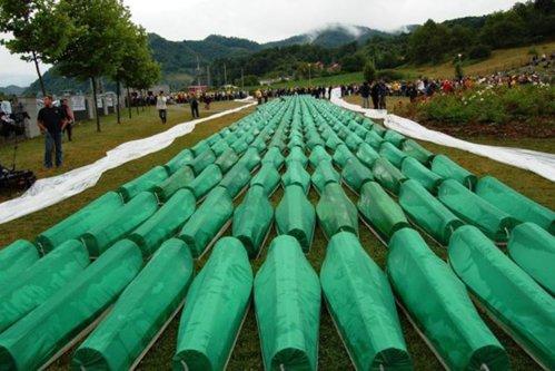 Lovitură pentru Olanda. Curtea Supremă de la Haga a decis că este parţial responsabilă de masacrul de la Srebreniţa din 1995