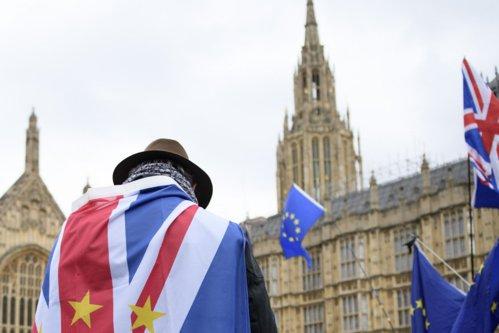 Scenariu îngrijorător pentru Marea Britanie: Supermarketurile se tem că un Brexit fără acord le-ar afecta stocurile alimentare