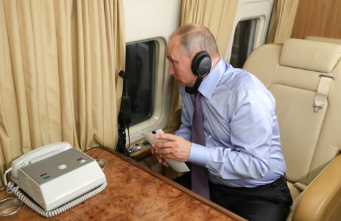 CIA a avut un spion atât de apropiat de Putin încât îi fotografia acestuia documentele de pe birou