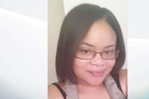 O femeie de culoare a fost ucisă de un poliţist alb în propria casă, în timp ce avea grijă de nepotul ei