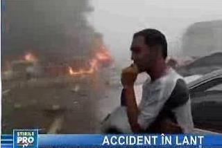 Sute de maşini implicate într-un accident în lanţ - VIDEO