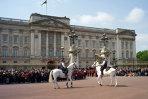 Poliţiştii britanici au vândut detalii despre familia regală tabloidului News of the World