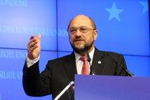 Ponta, LOVITURĂ DIN FAMILIE. Preşedintele PE, social-democratul Martin Schulz: