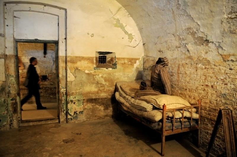 LISTA TORŢIONARILOR CARE TRĂIESC. Radiografia completă a Gulagului românesc - 35 de torţionari ai regimului comunist sunt acum anchetaţi