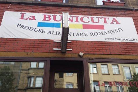 Lucrau în Bruxelles şi ar fi dat orice pentru o porţie de mâncare românească. Într-o zi, le-a venit ideea salvatoare care le-a schimbat viaţa