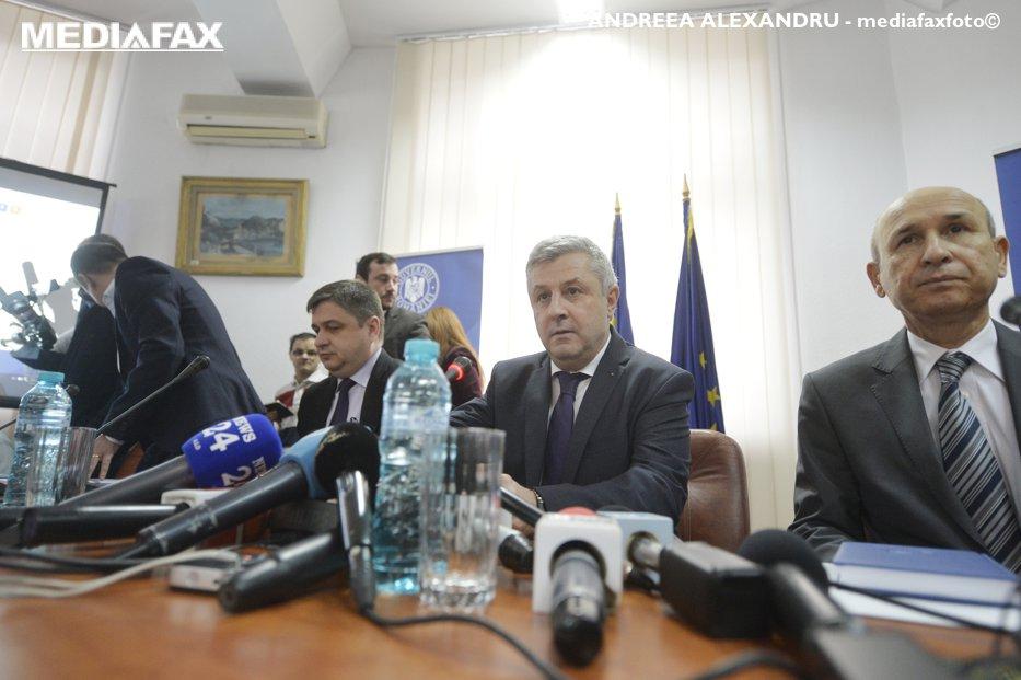 """""""Gândacii"""" lui Voiculescu şi """"nazistul"""" Iohannis - ce nu s-a văzut la TV de la consultările lui Iordache. FILMUL COMPLET"""