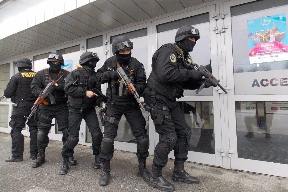 """Clujeanca Claudia Rotar, singura luptătoare din trupele SAS. """"La prima intervenţie mi-a fost frică, nu are cum să nu-ţi fie"""""""