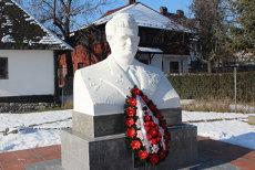 """Nostalgicii """"Epocii de aur"""" şi-ar dori canonizarea lui Ceauşescu, la 100 de ani de la naşterea sa. GALERIE FOTO"""