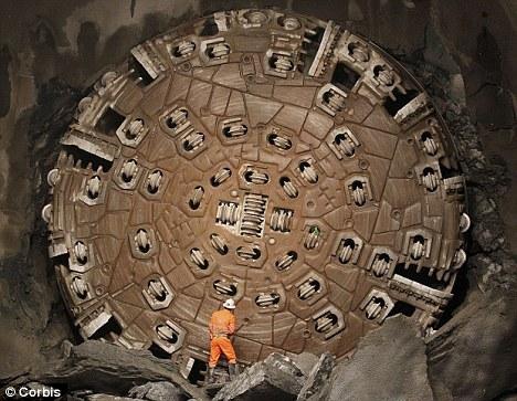 Călătorie spre centrul Pământului. 24 de naţiuni declanşează o amplă operaţiune de forare în adâncurile Terrei