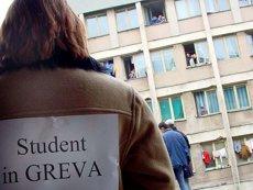 Protest al studenţilor la Ministerul Educaţiei: