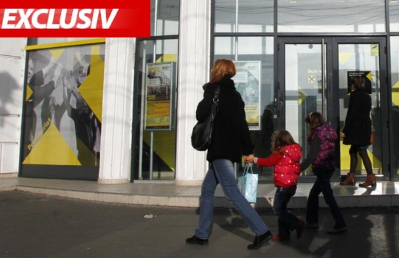 De ce nu pot plăti românii cu cardul ratele la bancă, facturile la poştă sau taxele la Fisc
