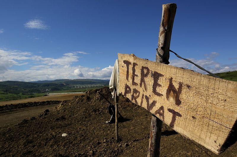 Câţi kilometri de autostradă ar putea face Guvernul Ponta cu banii din redevenţele MAJORATE