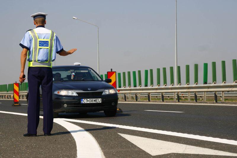 Când va ajunge autostrada de la Ploieşti la Bucureşti. Un an şi jumătate s-au căutat bombe, acum nu mai sunt bani