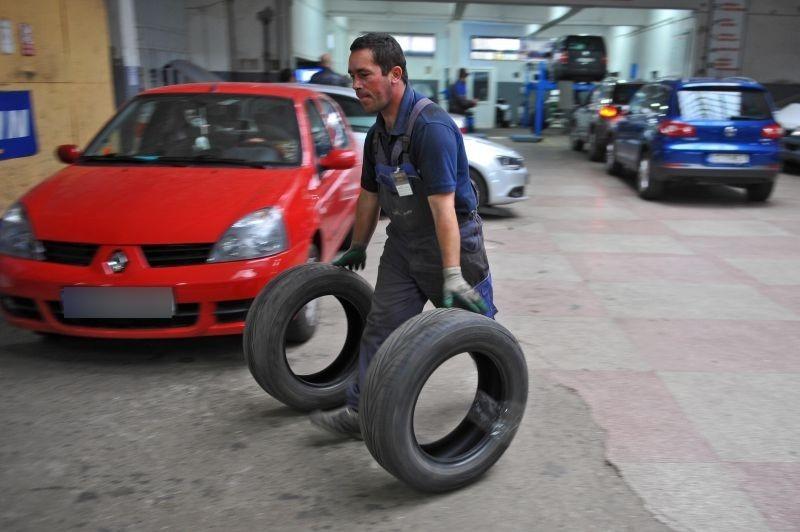 O parte din service-uri nu mai vor să repare maşinile şoferilor care au RCA la Astra. ASF: