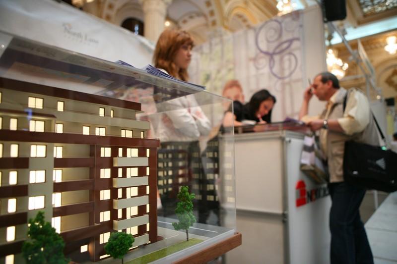 Târg imobiliar la Bucureşti. Ce locuinţe găseşti la preţuri mai mici de 25.000 de euro
