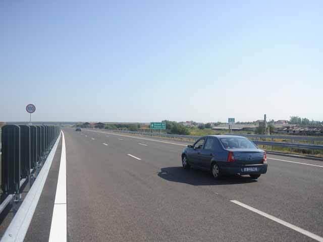 Contractul pentru bucata de 6,5 kilometri din Autostrada Bucureşti-Ploieşti care ar trebui să facă conexiunea între Capitală şi centură, la un pas de reziliere