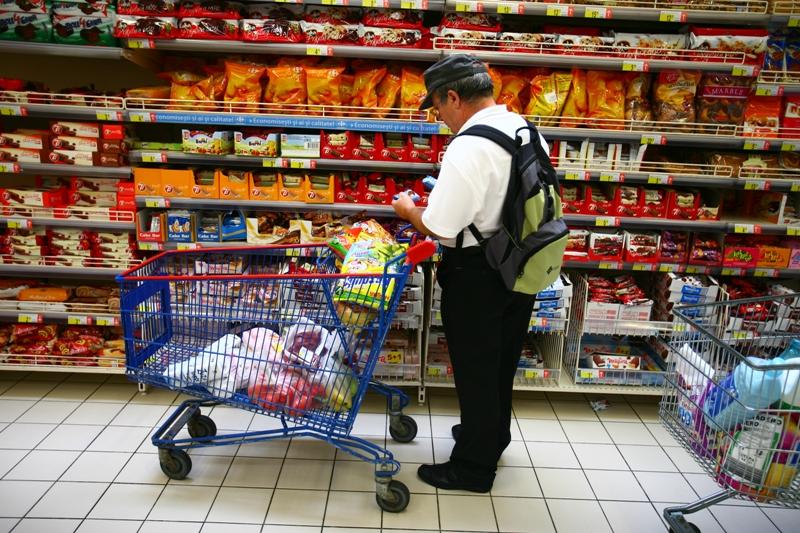 """Ce nu scrie pe etichetă: """"OMG-urile se găsesc în numeroase alimente în cantităţi mai mici de pragul de etichetare de 0,9 la sută"""""""
