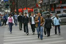 Câţi bani ar trebui să aibă în cont un român cu pensie privată obligatorie