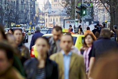 Încrederea în economia României s-a îmbunătăţit în octombrie, după declinul din septembrie