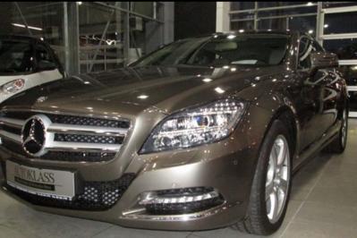 BLACK FRIDAY 2014. Reduceri de preţ la automobile pe blackfriday.autovit.ro