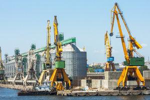 Un trader deţinut de o companie chineză a cumpărat un terminal pentru cereale din Portul Constanţa