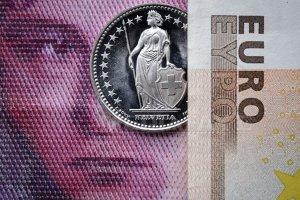 Francul elveţian s-a depreciat faţă de euro pe parcursul nopţii. Ce s-a întâmplat cu leul