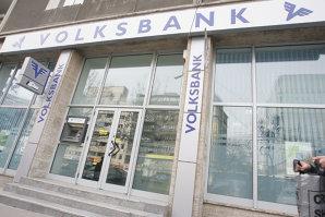 Banca Transilvania pregăteşte soluţii pentru clienţii Volksbank România care au credite în franci