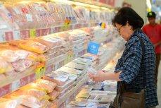 Cât pierd producătorii de carne, lapte şi ouă în postul Paştelui: suma este uriaşă