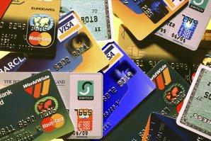 Istoria cardurilor de credit: cine este americanul căruia i-a venit ideea inventării lor