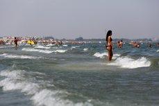 Peste 10.000 de români merg de 1 mai în străinătate