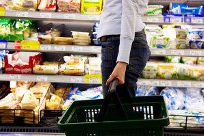 Câţi bani fac retailerii din România după reducerea TVA la alimente. În ultimii 5 ani, am cheltuit o sumă uriaşă pe mâncare