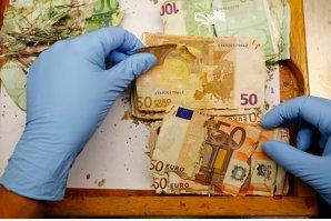 Reacţia euro şi a pieţelor financiare după votul din Grecia