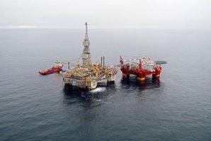 Preţul petrolului Brent a reveni sub nivelul de 50 dolari pe baril