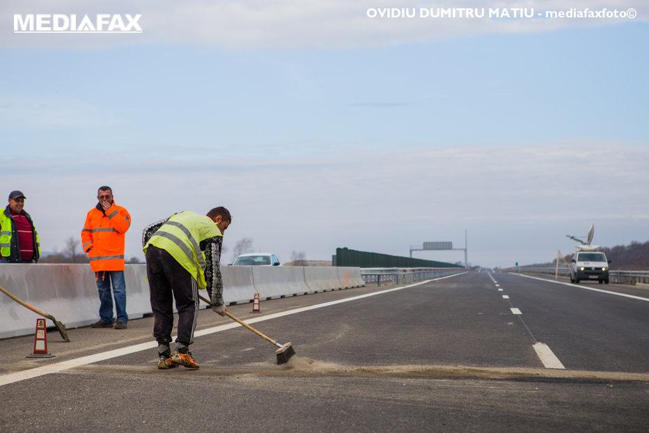 Când va avea România 1.000 de kilometri de autostradă. Ce spune ministrul Transporturilor despre taxa pe drumuri rapide