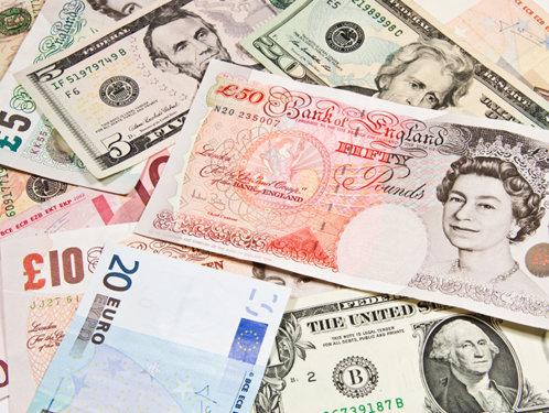 Lira sterlină a avut cea mai mare creştere din ultimii 8 ani