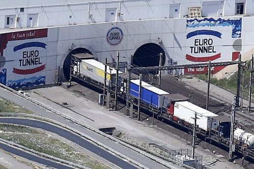 """Acţiunile """"Eurotunnel"""" au intrat la apă după Brexit"""