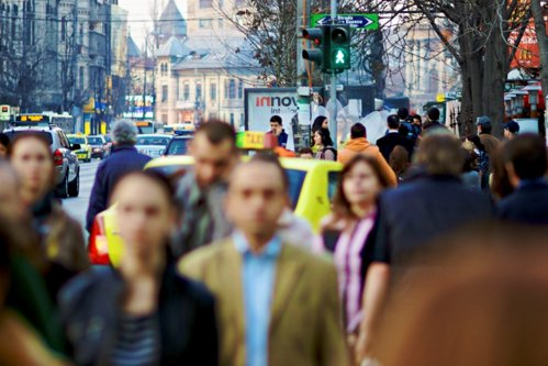 De ce trăieşte România din împrumut în împrumut