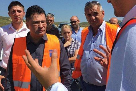 Cum se fac drumuri în România. Ministrul Transporturilor: Am vizitat şantiere de autostrăzi pentru a descoperi morminte şi peşteri