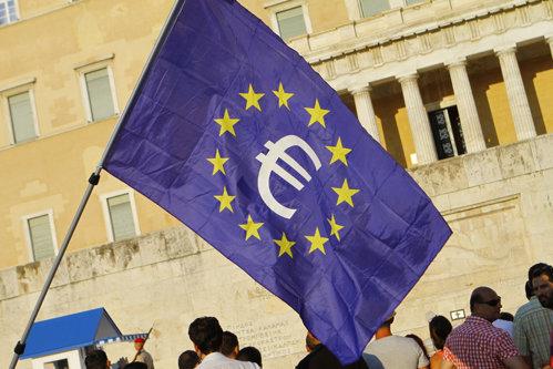 Demisia premierului Italiei loveşte în plin euro. Moneda europeană, la cel mai scăzut nivel din ultimii doi ani