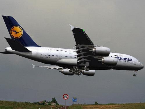 Lufthansa, devansată în topul celor mai mari transportatori aerieni. Pe primul loc, cel mai mare operator din România